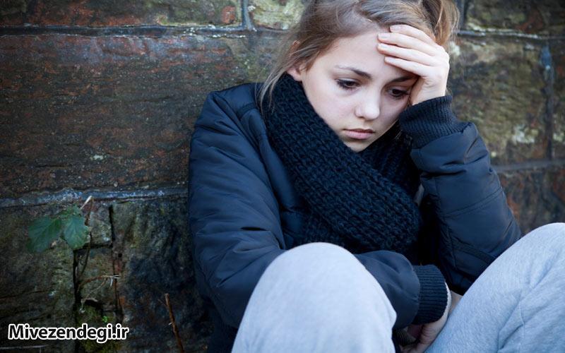 چرا فرزندم بیشتر اوقات می خواهد تنها باشد؟